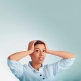 Busca businesslady bonita para soluções aos problemas O co Fotos de Stock