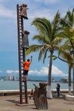 Buscando para la estatua de la razón en Puerto Vallarta, México Fotografía de archivo