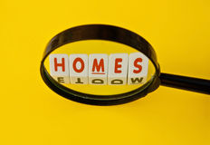 Buscar un hogar Foto de archivo libre de regalías