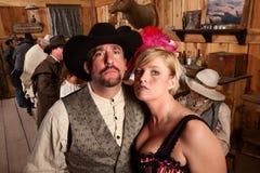 buse för cowboysalongshowgirl arkivbild