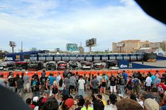 16 buses in line to be jumped by Travis Pastrana Stock Photos