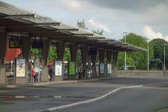 Bushaltestelle in Brügge Stockbild