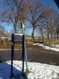 Bushaltestelle im Schnee Stockfoto