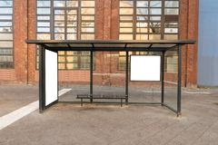 Bushaltestelle-Reisestation Stockfotos
