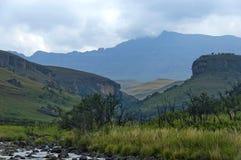 Bushmansen River Valley i jättar rockerar den Kwazulu Natal naturreserven royaltyfri foto