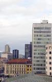 Busin de las propiedades horizontales de los apartamentos de los edificios de oficinas de la opinión del tejado del paisaje urbano Foto de archivo libre de regalías