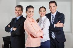 动态busines小组在办公室 免版税库存照片