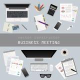 business businessman cmputer desk laptop meeting smiling talking to using woman Θέση εργασίας στο επίπεδο σχέδιο Κατασκευαστής το Στοκ Εικόνες