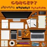 business businessman cmputer desk laptop meeting smiling talking to using woman Θέση εργασίας στο επίπεδο σχέδιο Κατασκευαστής το Στοκ Εικόνα