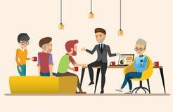 business businessman cmputer desk laptop meeting smiling talking to using woman Κοινή ομαδική εργασία εργασία Σύνολο 3 Στοκ εικόνες με δικαίωμα ελεύθερης χρήσης