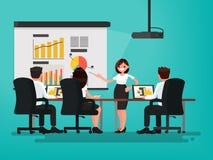 business businessman cmputer desk laptop meeting smiling talking to using woman Παρουσίαση του προγράμματος Μια γυναίκα μιλά είνα Στοκ φωτογραφία με δικαίωμα ελεύθερης χρήσης