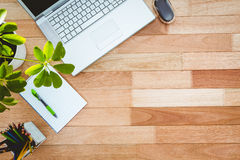 Free Business Desk With Laptop And Colors Pencil Royalty Free Stock Photography - 61433237
