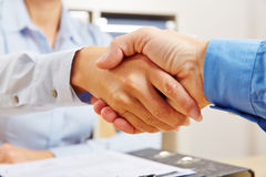 Business handshake in office Royalty Free Stock Photography