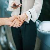 Business handshake to close the deal Royalty Free Stock Image