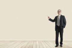 Business man introduce Royalty Free Stock Photos