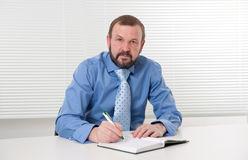 Business man making notes Royalty Free Stock Photo