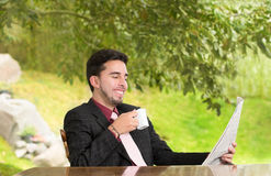 Business man reading a newspaper Royalty Free Stock Photography