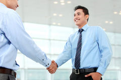 Business man shaking hands Royalty Free Stock Images