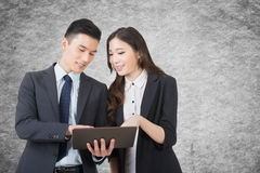 Business man and woman discuss Royalty Free Stock Photo