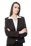Business Manager target802_0_ z jej rękami krzyżować Obrazy Royalty Free