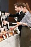 Business Manager wp8lywy dżem przy i croissants obrazy royalty free