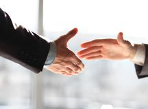 Business men shaking hands Royalty Free Stock Photos