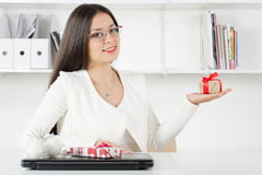 Business model with gifts Royalty Free Stock Images