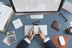Business Objects-Büro-Arbeitsplatz-Schreibtisch-Konzept Stockbild