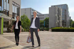 Business people in front of building Royalty Free Stock Images