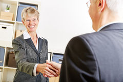 Business people greeting Royalty Free Stock Photos