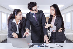 Business people having mistake Royalty Free Stock Photo