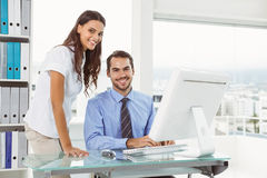 Business people using computer in office Royalty Free Stock Photos
