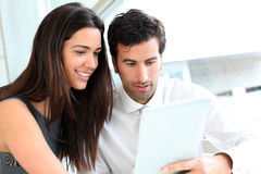 Business people websurfing Royalty Free Stock Images