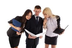 The business team look in the folder Royalty Free Stock Images