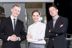 Business team standing with arms crossed Royalty Free Stock Photography