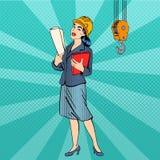 2 business woman bacground工程师查出的白人妇女 盔甲的妇女与文件 免版税图库摄影