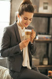 Business woman drinking coffee latte Royalty Free Stock Images