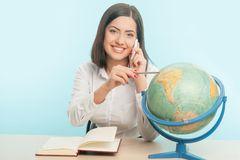 Business woman with the globe Royalty Free Stock Photography