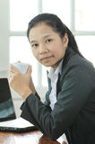 Business woman hold a coffee cup Royalty Free Stock Photography