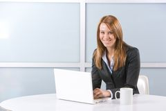 Business Woman on laptop Royalty Free Stock Photography