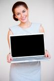 Business woman with laptop computer Royalty Free Stock Photos