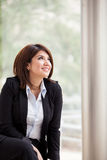 Business woman looking up Royalty Free Stock Photos