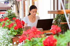 Business woman making a chat on laptop Royalty Free Stock Photo