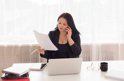 Business woman on phone Royalty Free Stock Images