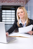 Business Woman Reading Documents Royalty Free Stock Photos