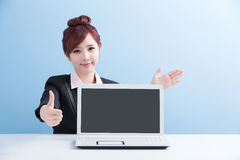 Business woman show computer Royalty Free Stock Images