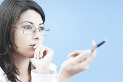 Business woman solving a problem Royalty Free Stock Images
