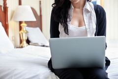 Business woman Using Laptop Royalty Free Stock Photo