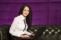 Business woman using laptop at office Royalty Free Stock Photos