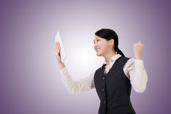 Business woman using pad Royalty Free Stock Images